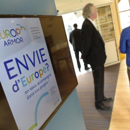 Conseil départemental des Côtes d'armor Centre de ressources départemental sur l'Europe Europ'Armor —identité visuelle — logotype